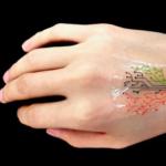 Si stampa in 3D e risponde agli stimoli desiderati: è il nuovo tatuaggio vivente del MIT
