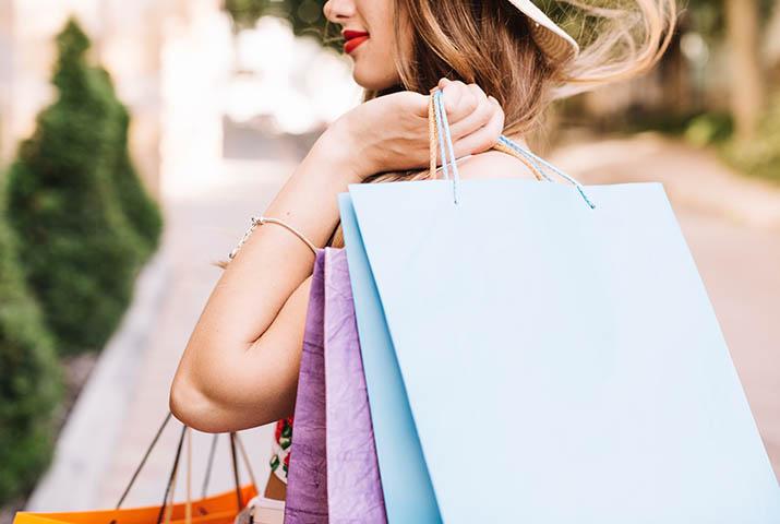 Shopper bag e buste personalizzate: come usarle per il tuo brand